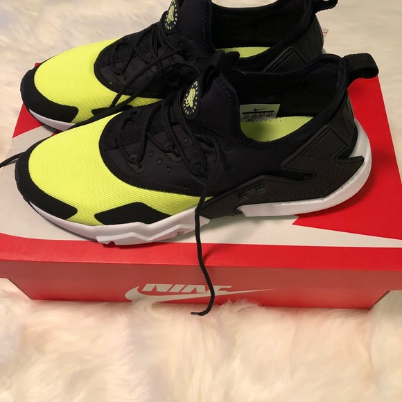 black and lime green huaraches